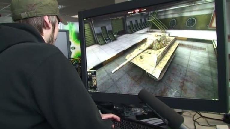 Sharp Zeigt 32 Zoll Monitor Mit 4k Für Circa 4500 Euro